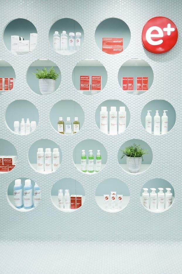Revestimiento-pared-Hisbalit-proyecto-farmacia-eibar