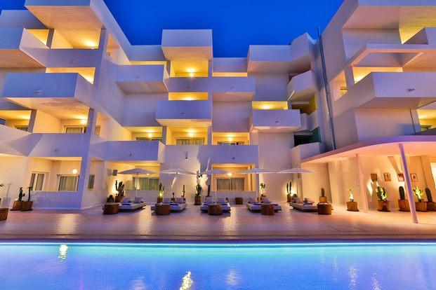 fachada-hotel-paradiso-ibiza-estilo-miami-art-deco-diariodesign