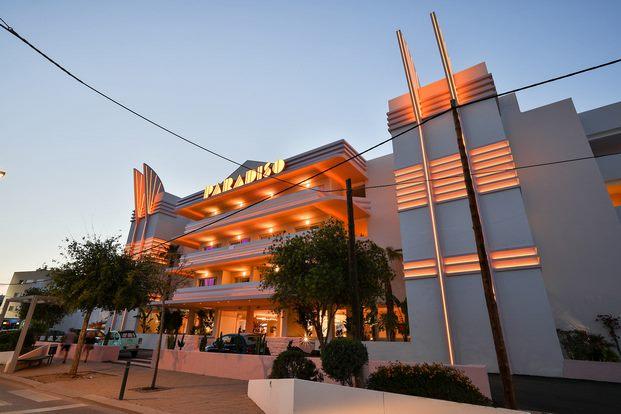 Fachada-hotel-paradiso-ibiza-estilo-miami-art-decó-diariodesign