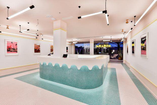 recepcion-hotel-paradiso-ibiza-estilo-miami-art-deco-diariodesign