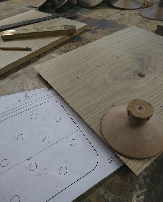 bosque plato madera de roble inaki remiro para mugaritz diariodesign
