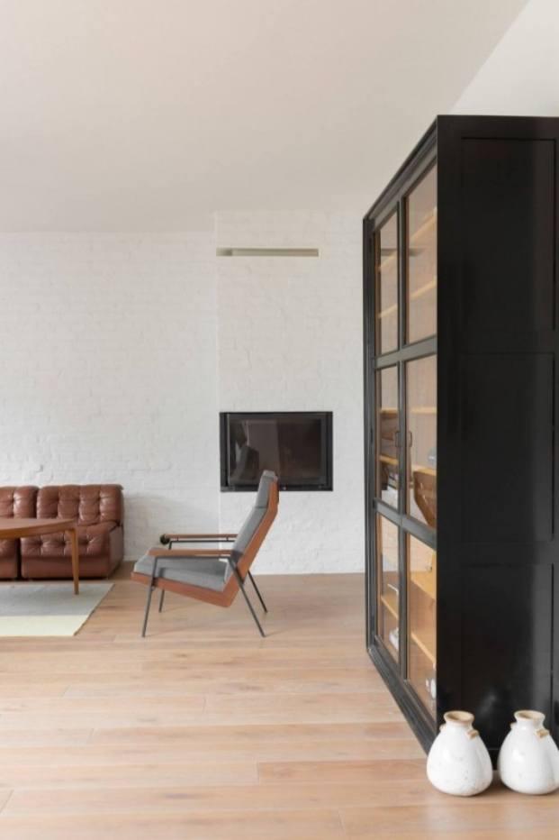 estantería apartamento de estilo vintage en Szczecin diariodesign