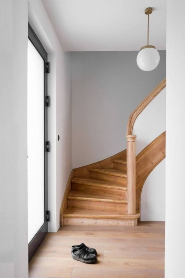 escalera apartamento de estilo vintage en Szczecin diariodesign