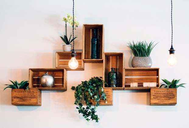 Cajas madera estanterías pared curso online diseño interior LaBasad diariodesign