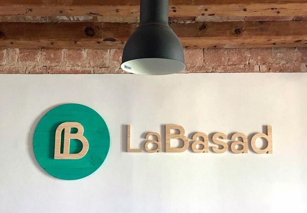 Logo Labasad escuela diseño online diariodesign