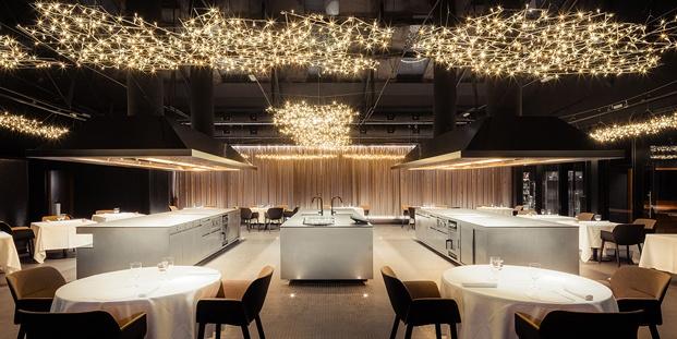 cocinas y lámparas espacio hermanos torres en barcelona diseñado por oab diariodesign