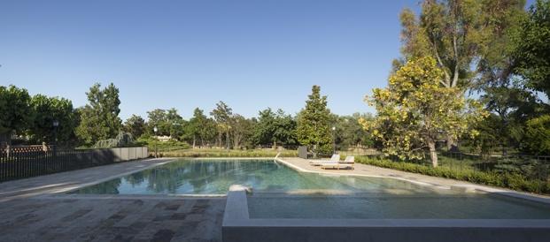 antigua masía francesc rifé piscina diariodesign
