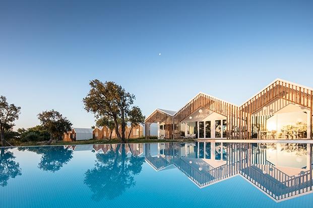 hotel sobreiras alentejo country diariodesign piscina