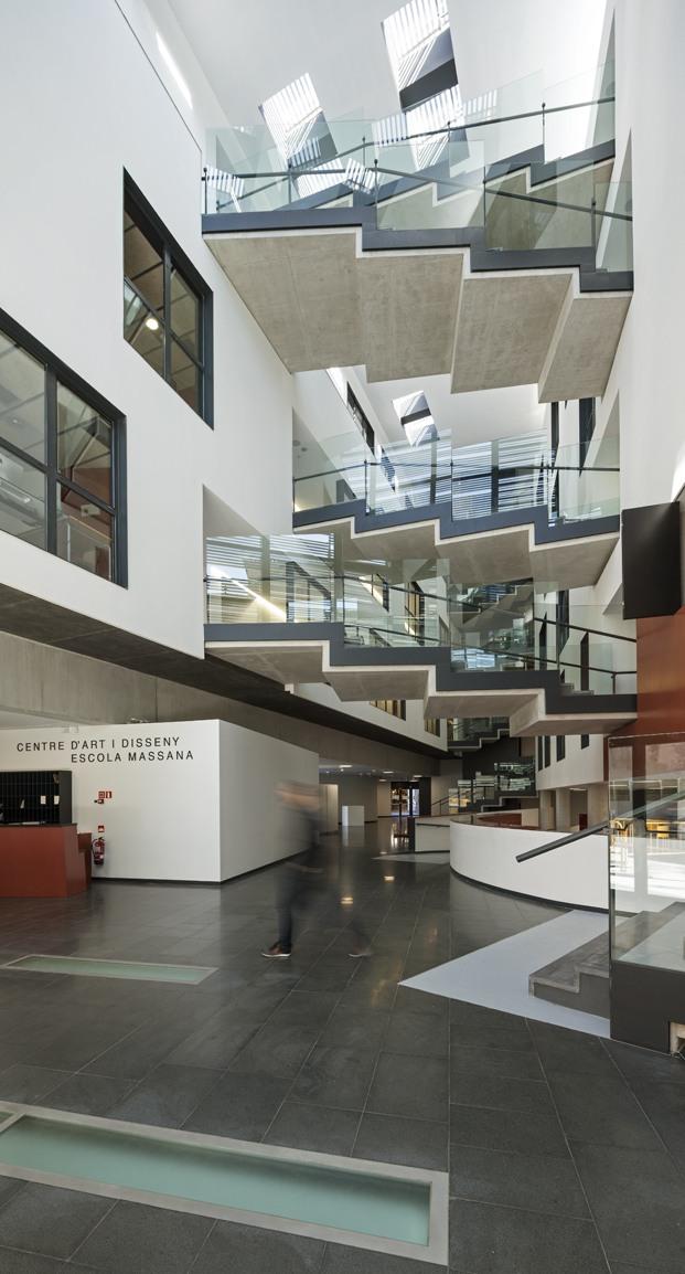 entrada y escaleras escola massana diariodesign
