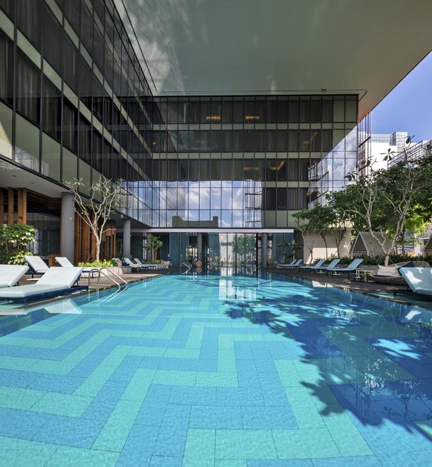 hotel oasia piscina terraza diariodesign