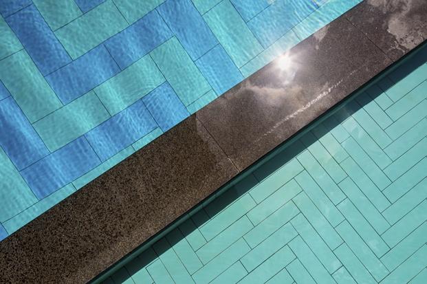 hotel oasia agua piscina diariodesign