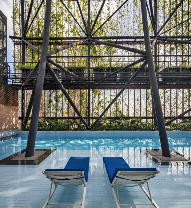 hotel oasia tumbonas piscina diariodesign