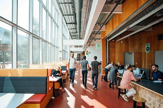 interior oficinas de facebook diariodesign