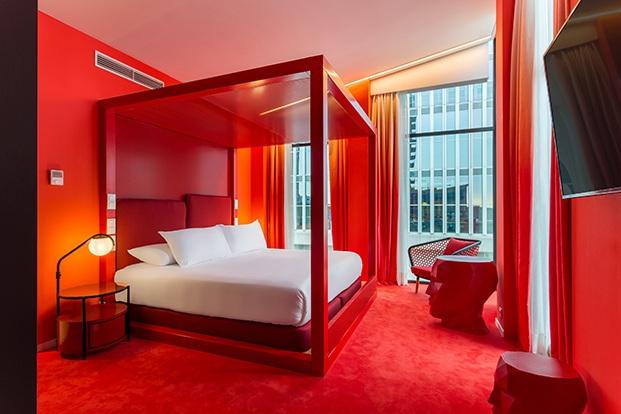 habitación roja room mate bruno diariodesign