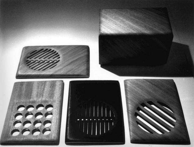 cajas de radio en madera contrachapada eames diariodesign