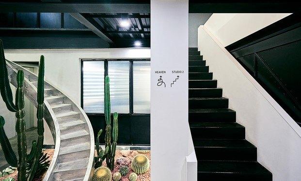 estudio fotográfico astudio beijing escalera diariodesign