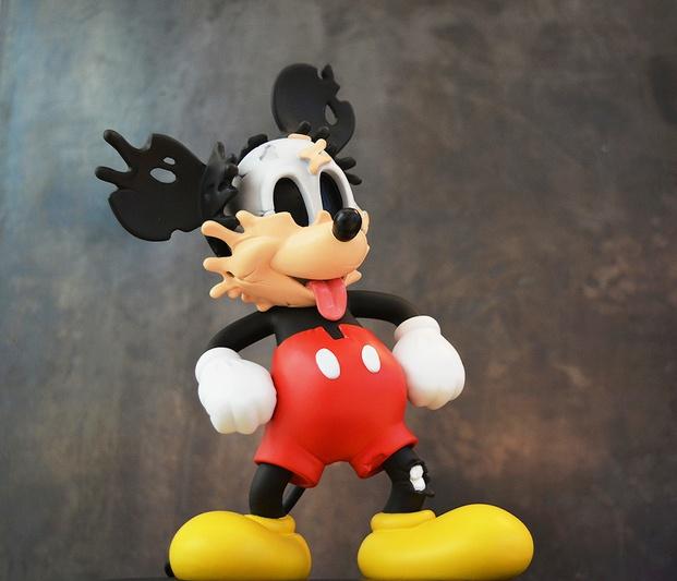 Mickey Mouse deshaciéndose deconstrucción Matt Gondek diariodesign
