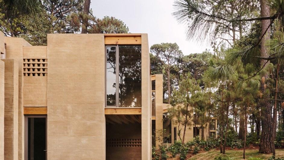 casas de vacaciones entre pinos hector barroso diariodesign