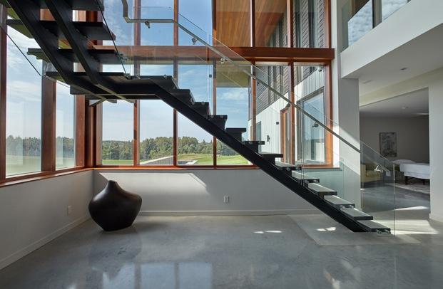 escalera y ventanas construcción rural en toronto diariodesign