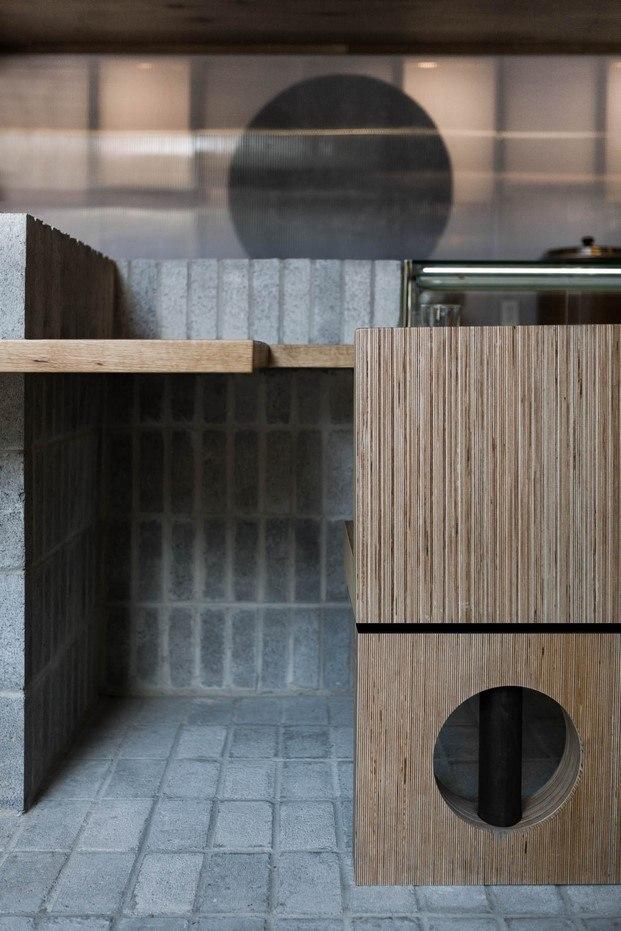 círculos silla y paneles restaurante ryu diariodesign