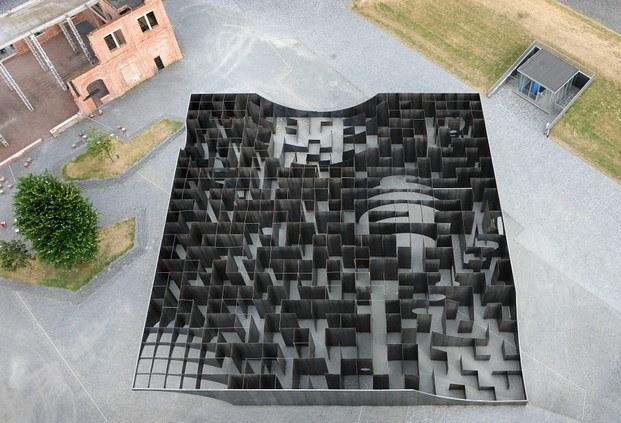 laberinto plaza c-mine gijs van vaerenbergh diariodesign