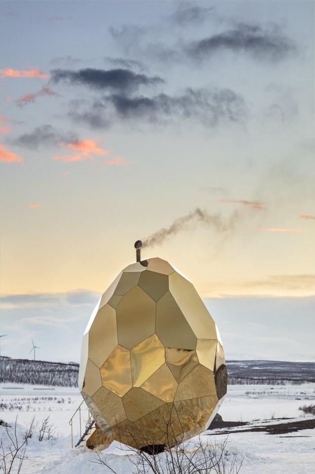 solar egg sauna en kiruna diariodesign