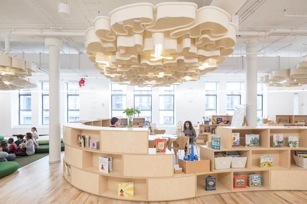 biblioteca escuela wegrow wework big