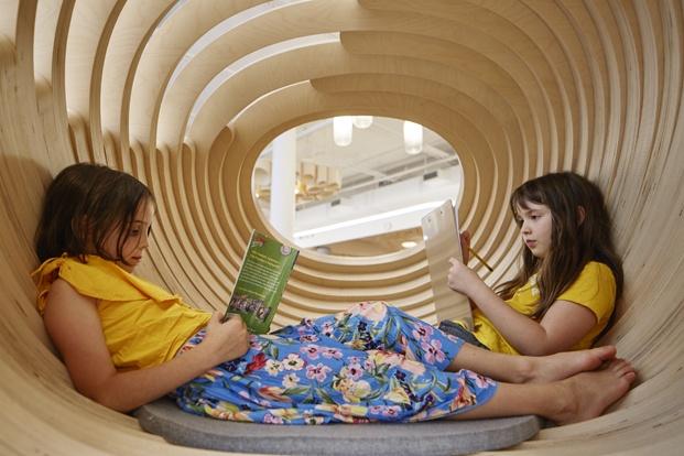 wegrow escuela wework big niños leyendo diariodesign