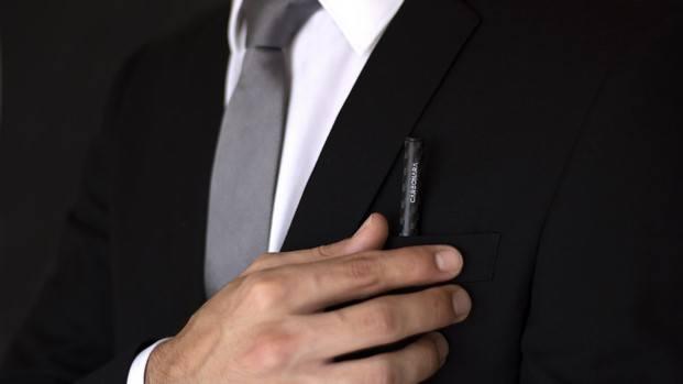 carbonara lápiz fibra de carbono crowdfunding diariodesign