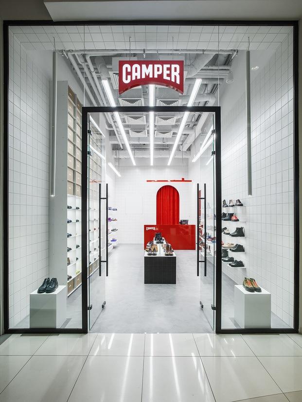 Entrada tienda Camper en Moscú Maxim Maximov diariodesign