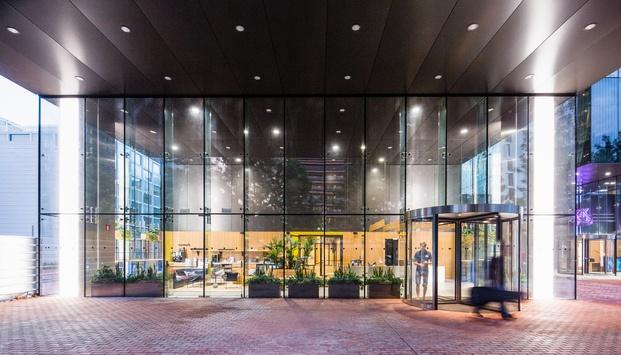 Edificio acristalado WeWork Glories Barcelona diariodesign