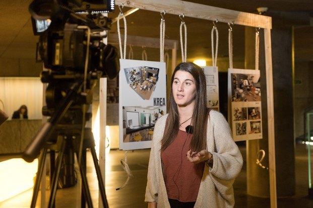 joana adot explica su proyecto en biziago student bilbao diariodesign