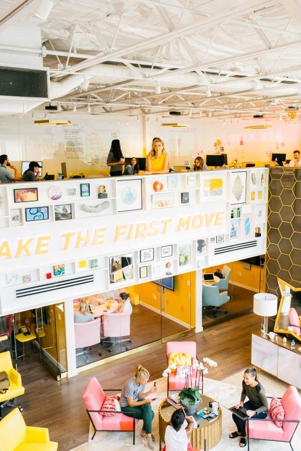 hive las oficinas feministas de bumble whitney wolfe en austin diariodesign
