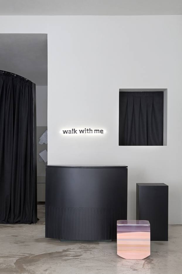 walk with me flagshipstore diariodesign resina
