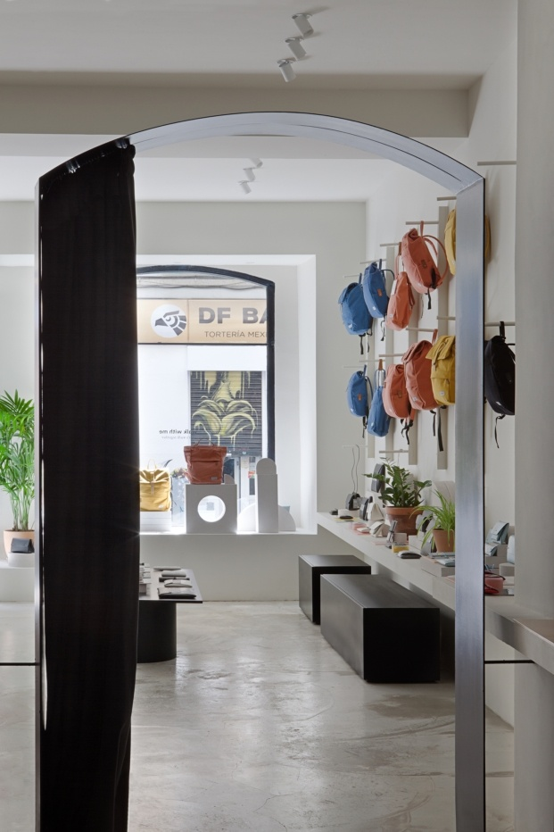 walk with me flagship store diariodesign tienda taller