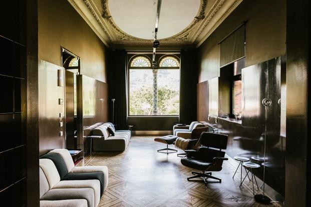 Salón interior hotel Villa Clementina navarra - diariodesign