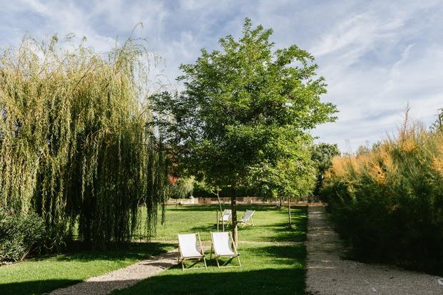 Jardines en hotel de lujo Villa Clementina navarra - diariodesign