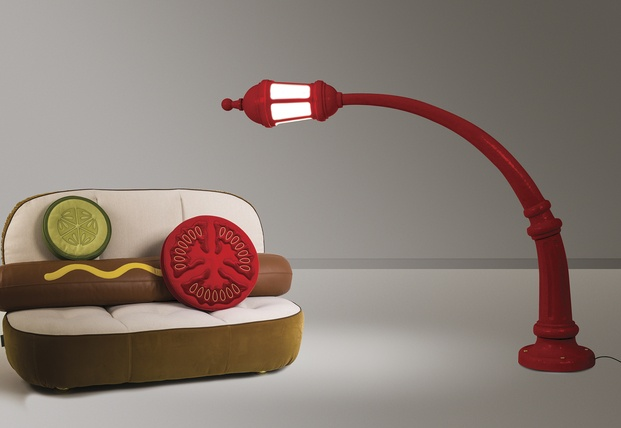 sofá frankfurt lámpara farola roja curvada seletti diariodesign