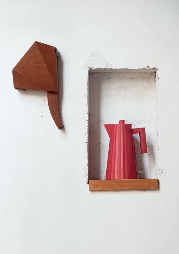 Tetera roja de diseño hervidor de agua kettle alessi plisse michele d