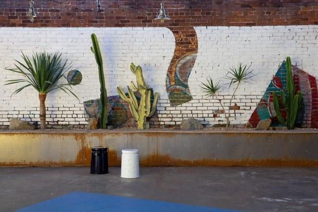 nueva tienda hem los angeles confetti courtyard cactus diariodesign