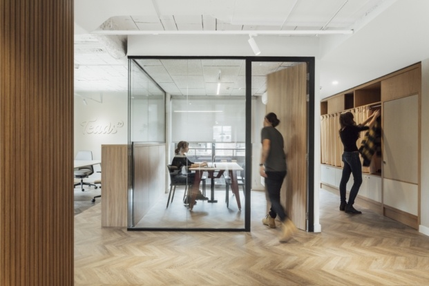 teads TV offices by stone designs diariodesign cabinas