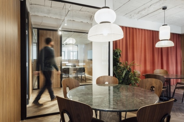 teads TV offices by stone designs diariodesign marmol
