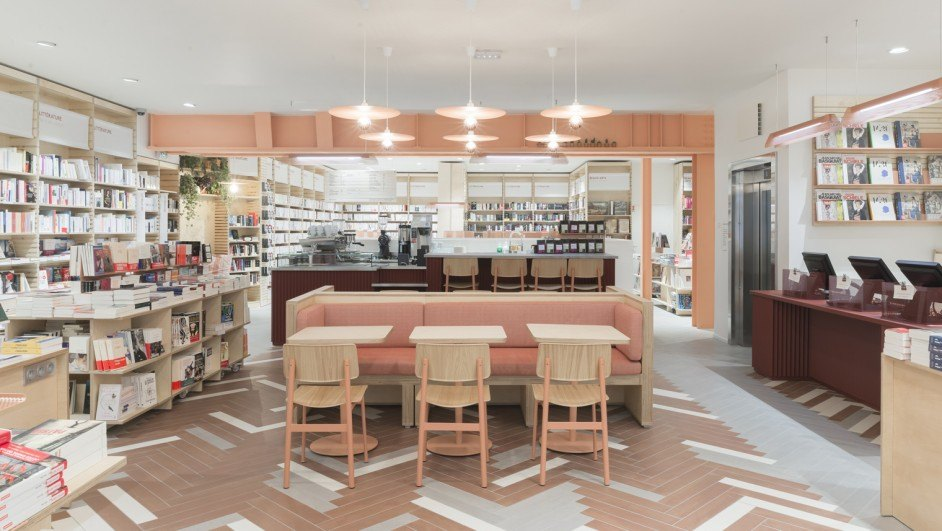 librairie ici cafe coutume en el centro de París diariodesign