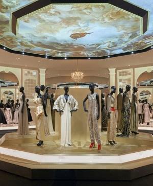 christian dior exposición vestidos de gala diariodesign