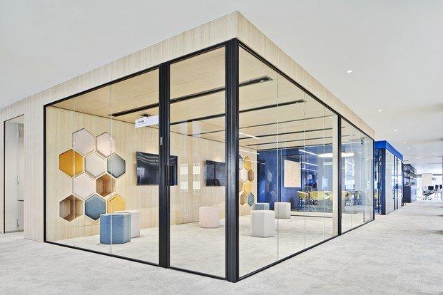 sala brainstorming oficinas caixabank diariodesign