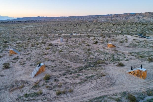 iván argote en desert x arte en coachella diariodesign
