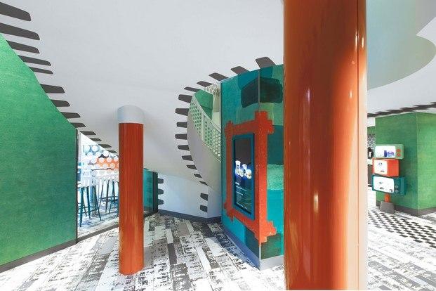 entrada columnas naranjas mcdonald's en parís paola navone diariodesign