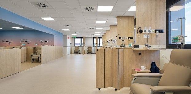 espacio madera hospital oncología manresa rai pinto diariodesign