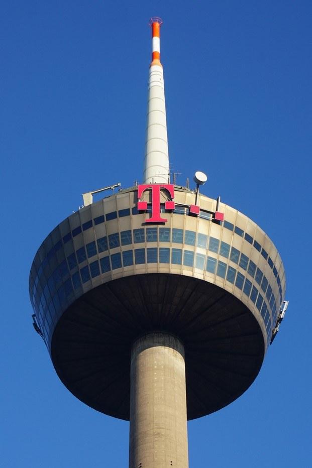 torre de telecomunicaciones colonia diariodesign