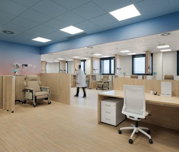 unidad diálisis hospital oncología manresa rai pinto techo azul diariodesign